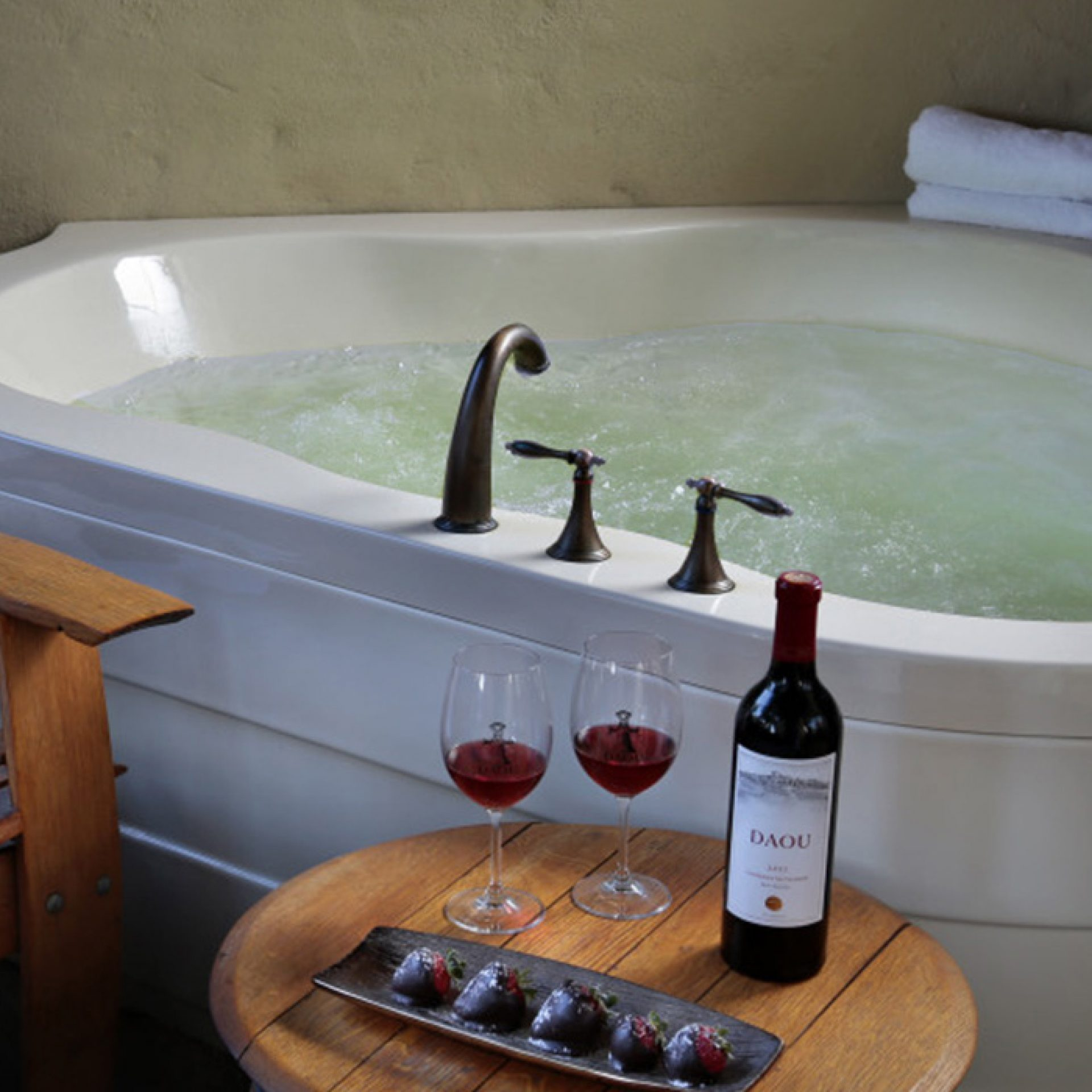 Private mineral spa for two with red wine at Paso Robles Inn