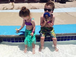 Young kids playing at Ravine Waterpark Paso Robels